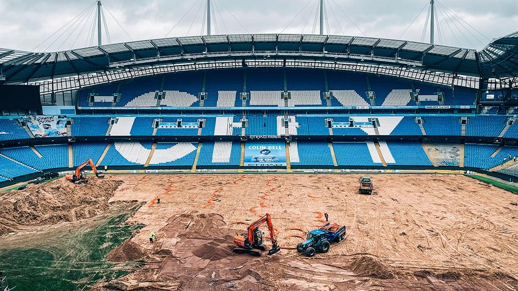 Behind-the-scenes: Etihad Stadium pitch progress
