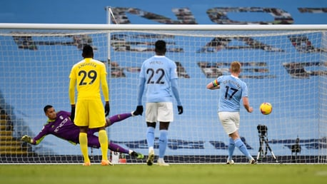 ON THE SPOT: De Bruyne sends Areola the wrong way to double our lead in the 26th minute.