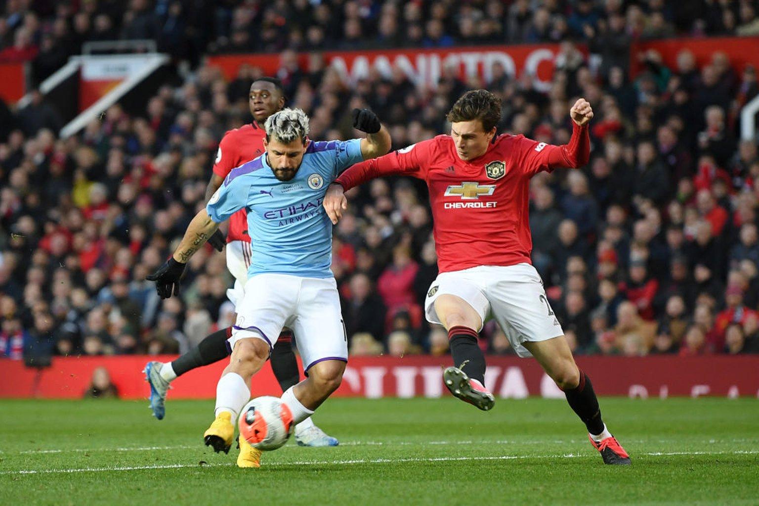 Sergio Aguero has a goal disallowed as City chase an equaliser