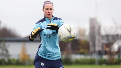 Karen Bardsley makes US loan switch