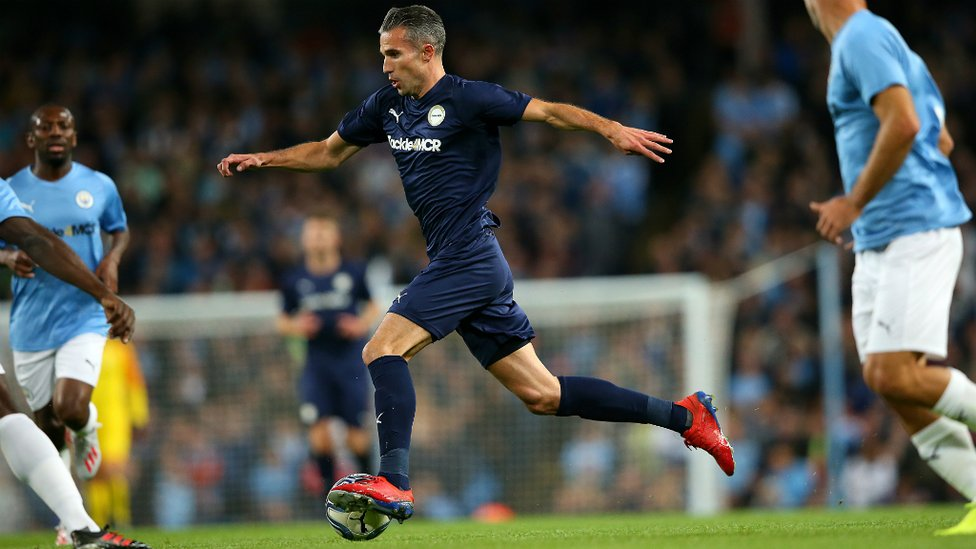 A RIVAL RETURNS : Robin van Persie grabs the third goal of the match