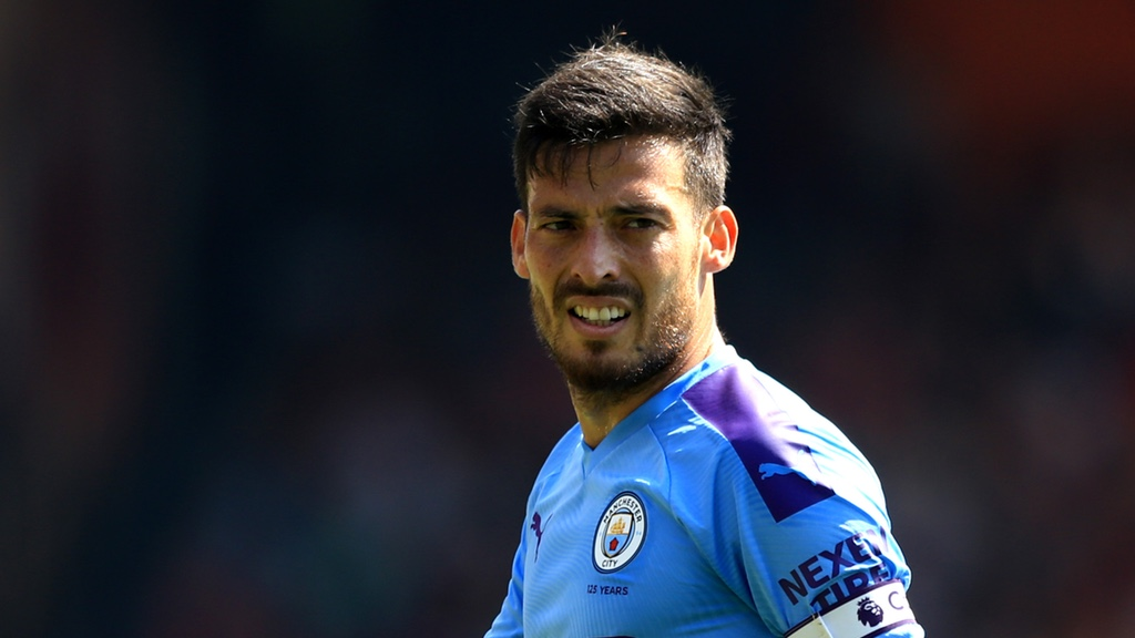 400 NOT OUT : David Silva made his 400th appearance for City.
