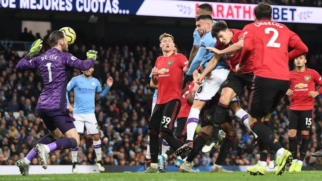 HARAPAN : Nicolas Otamendi mencetak gol bagi tuan rumah dari tendangan sudut
