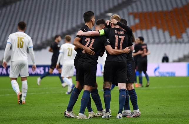 CITY : The boys celebrate together