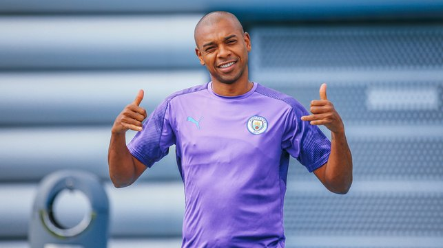 SAY CHEESE : Fernandinho gets ready for action