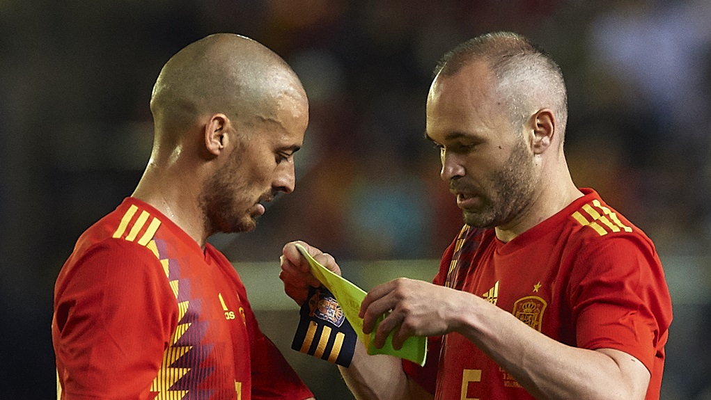 MASTERFUL : What a midfield Spain did have... Silva and Iniesta have now retired from national service