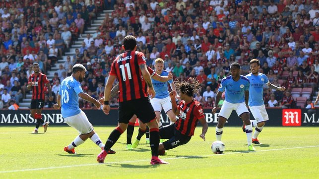 SUPER SERG : Aguero rolls the ball in to put City 1-0 up