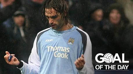 Goal of the Day: Samaras v Everton 2007
