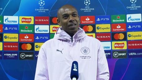 Fernandinho: 'Estamos felizes hoje, mas amanhã já temos treino!'