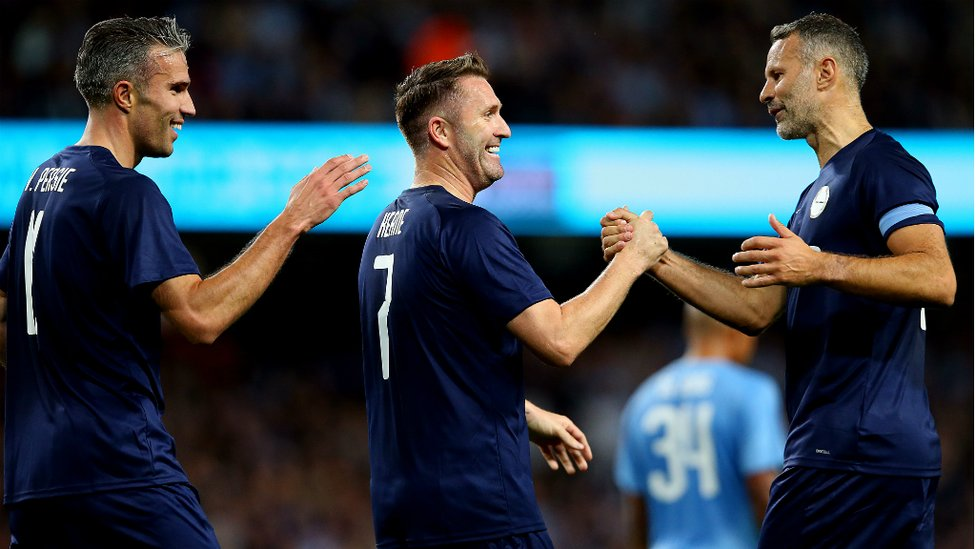 ALL LEVEL : Robbie Keane celebrates with Ryan Giggs and Robin van Persie after pulling one back for the PL All Stars