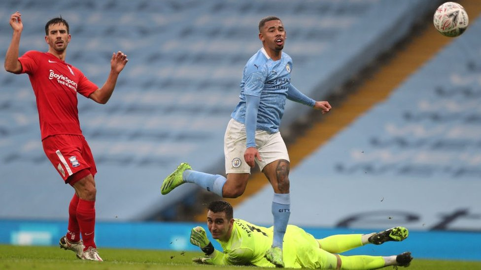 FORWARD THINKING : Gabriel Jesus went close on his return from COVID-19 isolation.