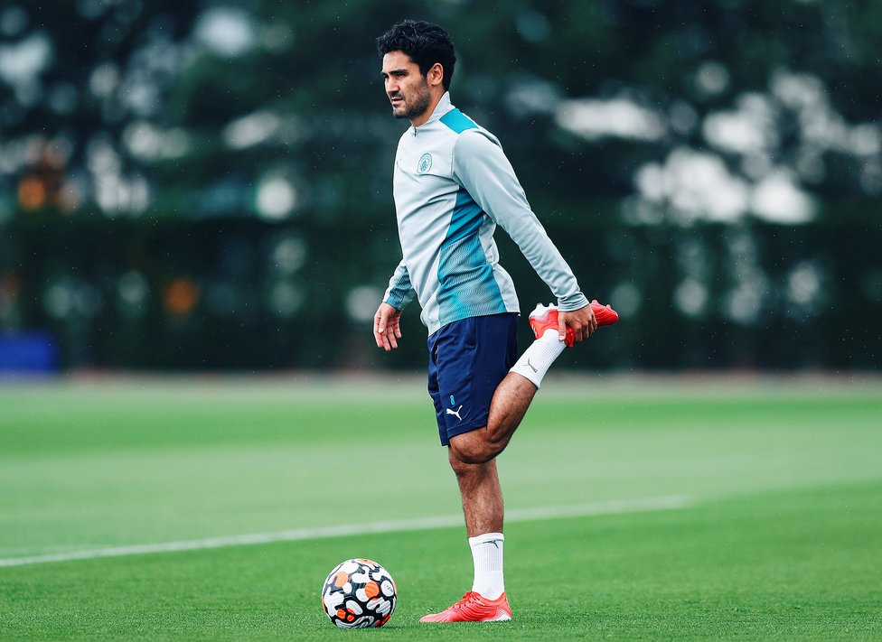 LIMBERING UP: Ilkay goes through some stretches ahead of Wednesday's session