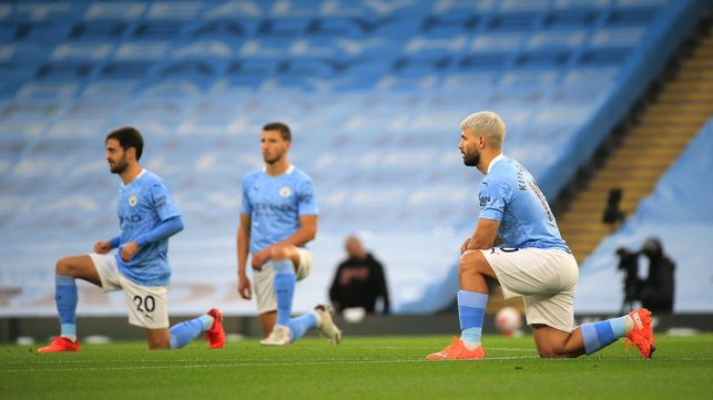 POWERFUL MESSAGE : The returning Aguero and co take a knee to honour the Black Lives Matter movement.