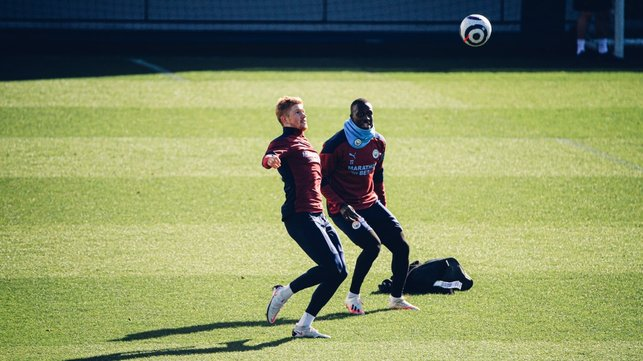 KEEP UP KEV: Kevin De Bruyne keeps the ball in the air