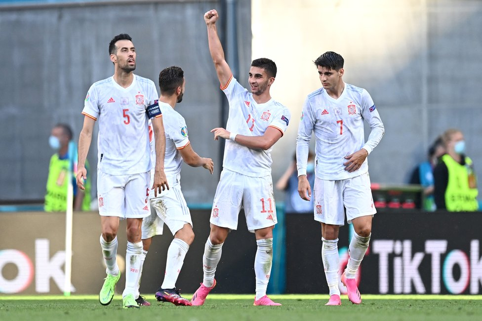 ROJA ROLLERCOASTER : An eight-goal thriller saw Spain edge Croatia 5-3 after extra-time. Torres had put La Roja 3-1 up in normal time with 13 minutes to go!