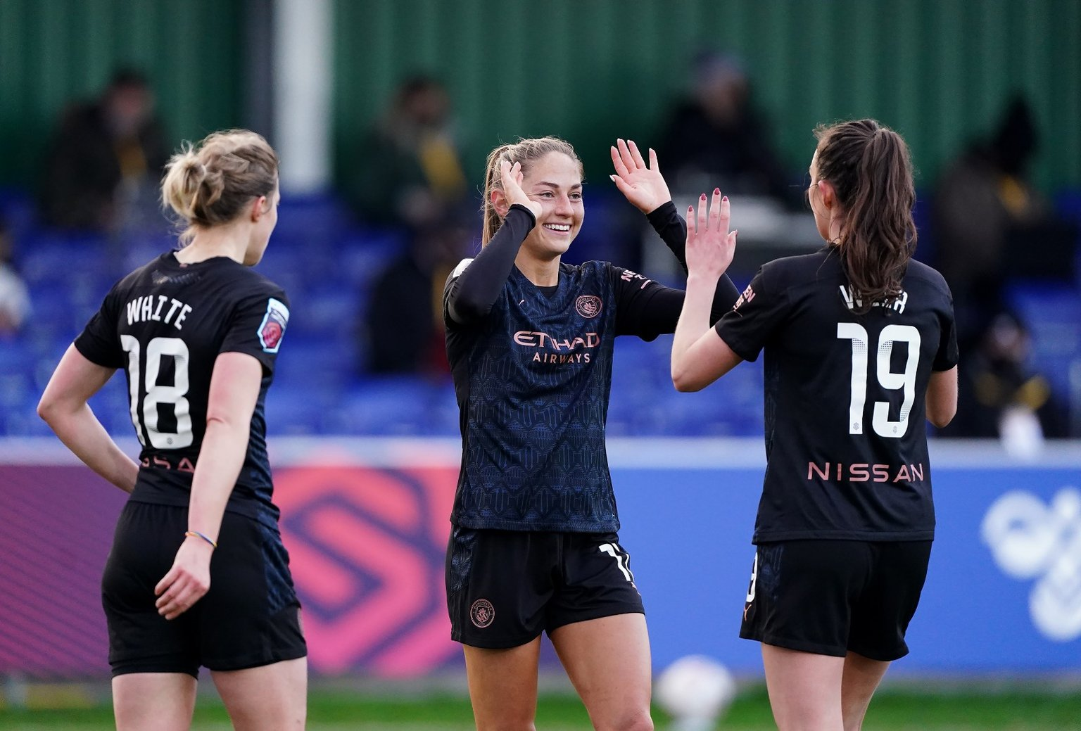 Weir stars as first-half treble sinks Toffees