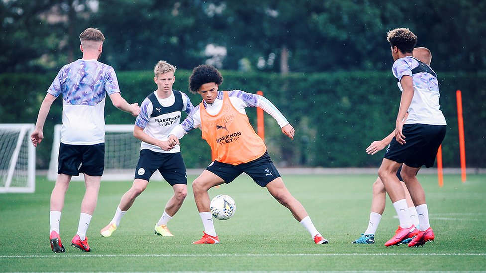 SANE SKILLS : Leroy Sane shields the ball