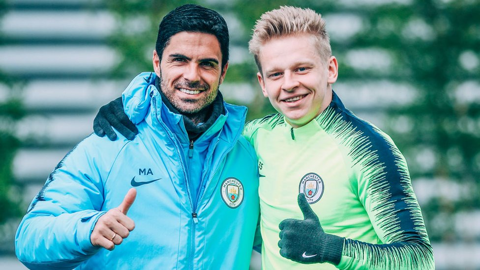 THUMBS UP : All smiles from Mikel Arteta and Oleksandr Zinchenko