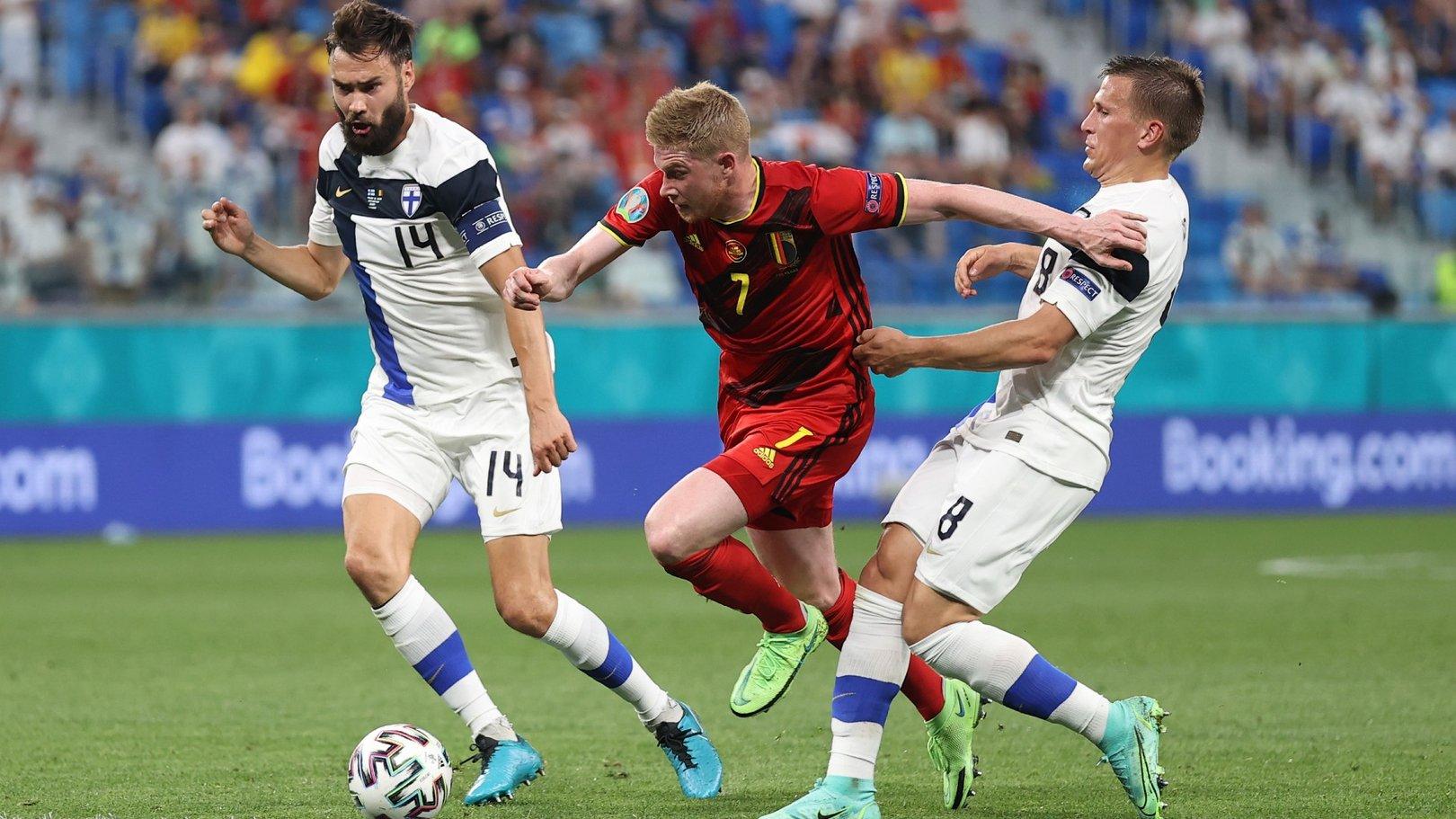 دي بروين يقود بلجيكا لتصدر المجموعة الثانية