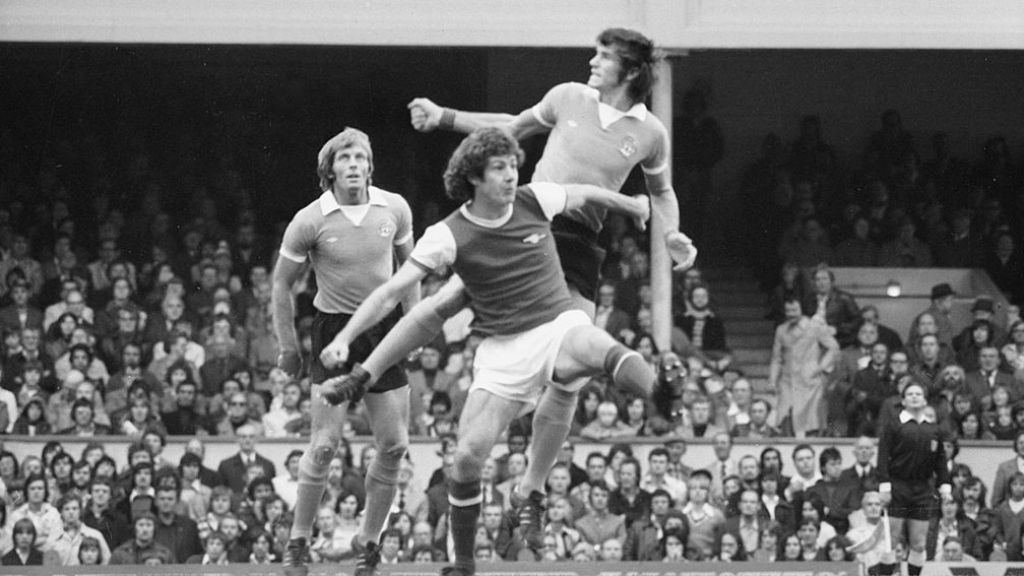 EYES FRONT: Alan (left) in action at Arsenal in his final season with City