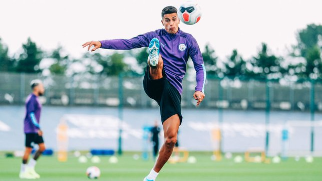 JOAO CANCELO : Our new signing brings the ball under control