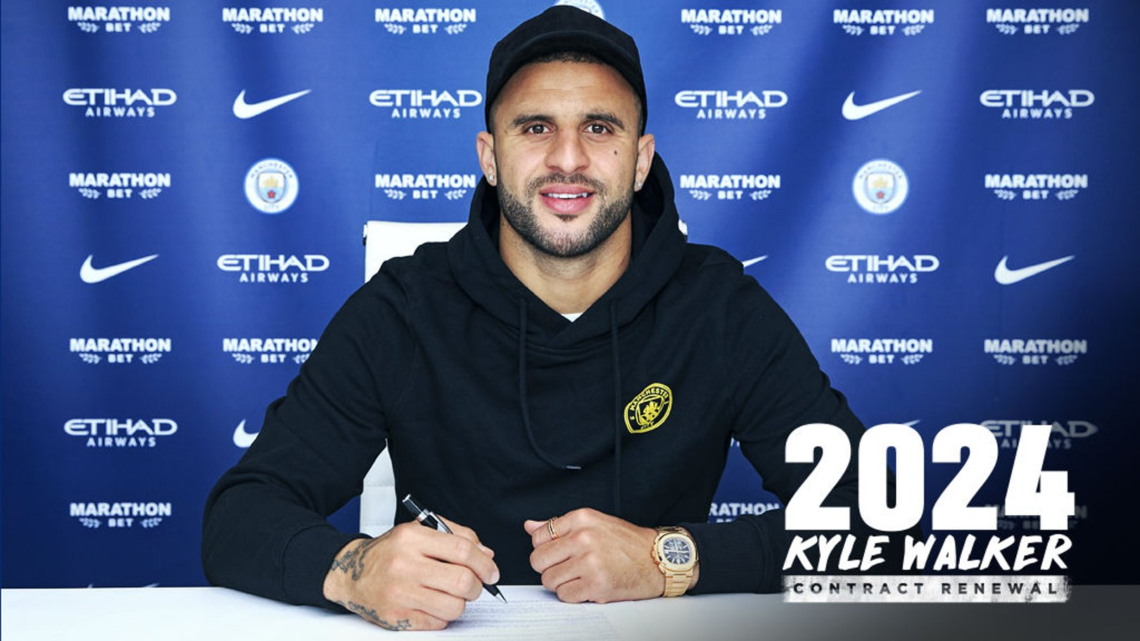 Kyle Walker signs new City contract