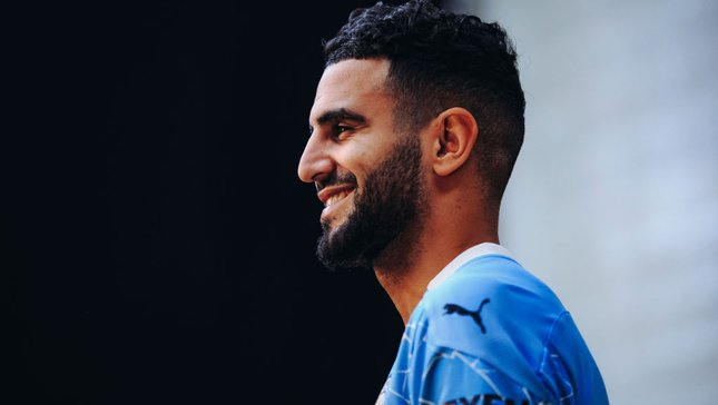 Quickfire questions: Mahrez on his best City game, idols and childhood nickname!