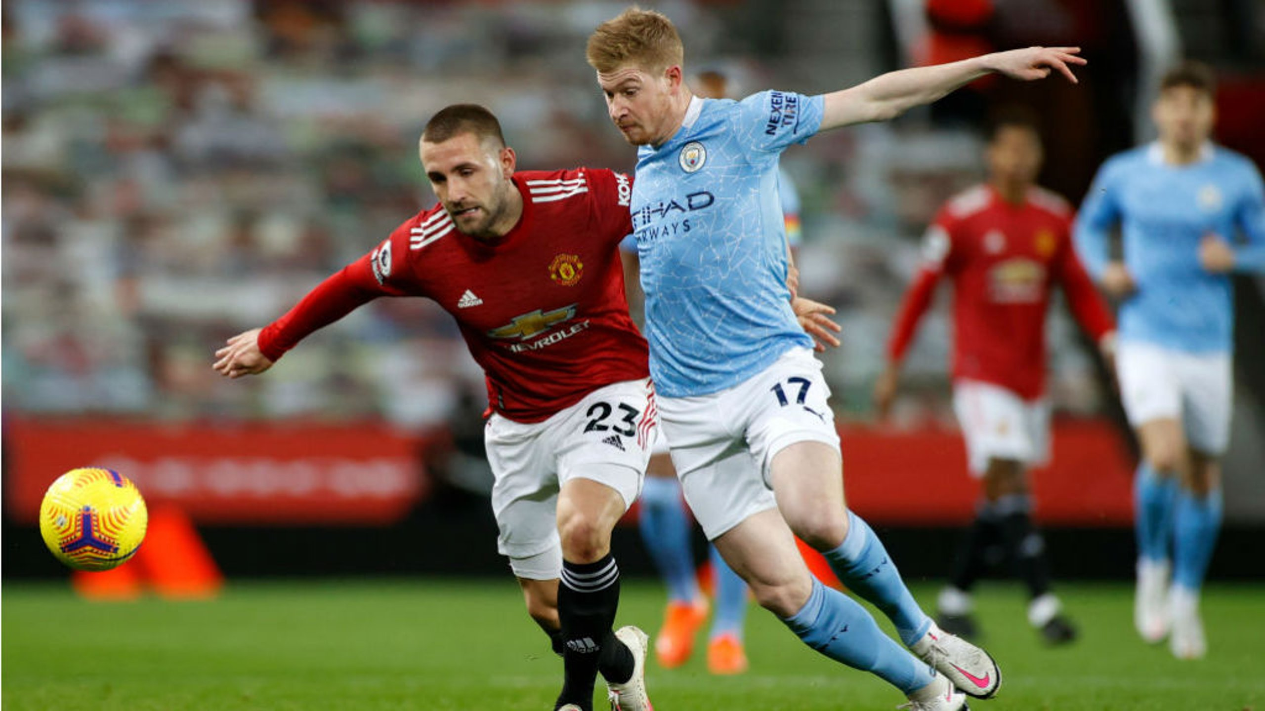 MIDDLE MARCH@ Kevin De Bruyne challenges Luke Shaw