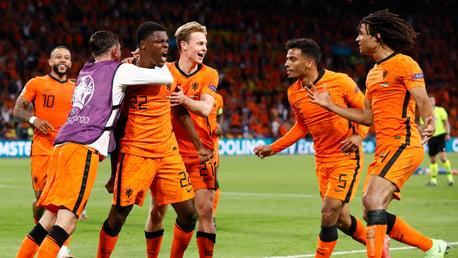 Ake assist key as Netherlands edge five-goal thriller