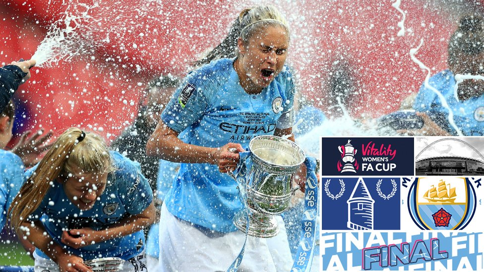 CHAMPAGNE SUPERNOVA : Steph Houghton wasn't ready for that!