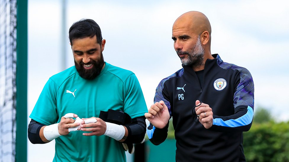PEP TALK : The boss chats with Claudio Bravo