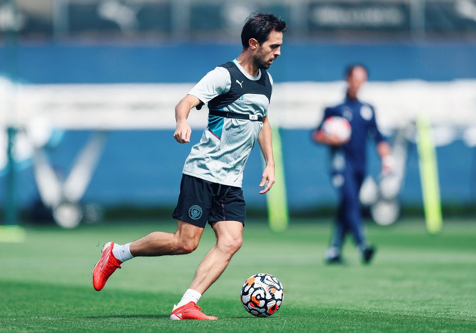 SILVA SERVICE: Bernardo in full control - as per usual
