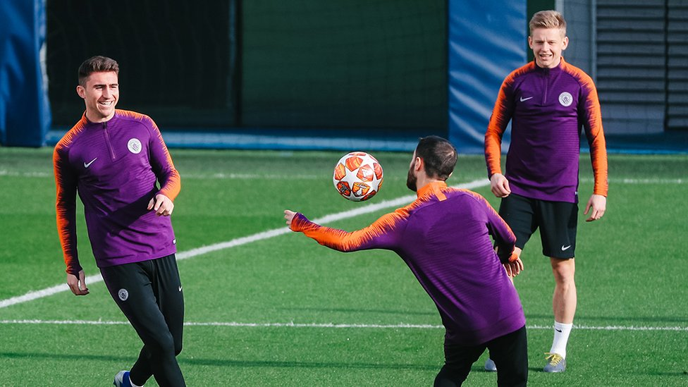 BALL TO HAND : Don't try this on Tuesday, Bernardo!