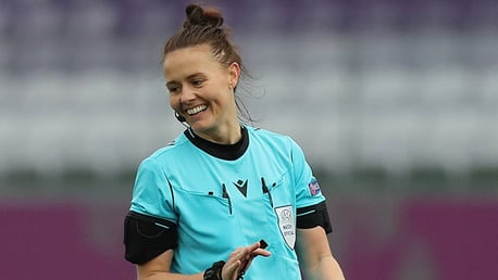 Professional Referee Rebecca Welch visits CITC City Inspires students