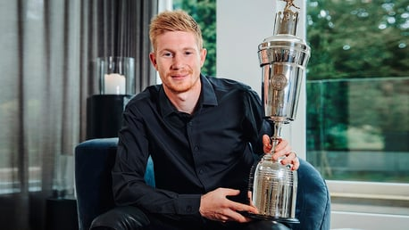 De Bruyne first male City player to win PFA Player of the Year