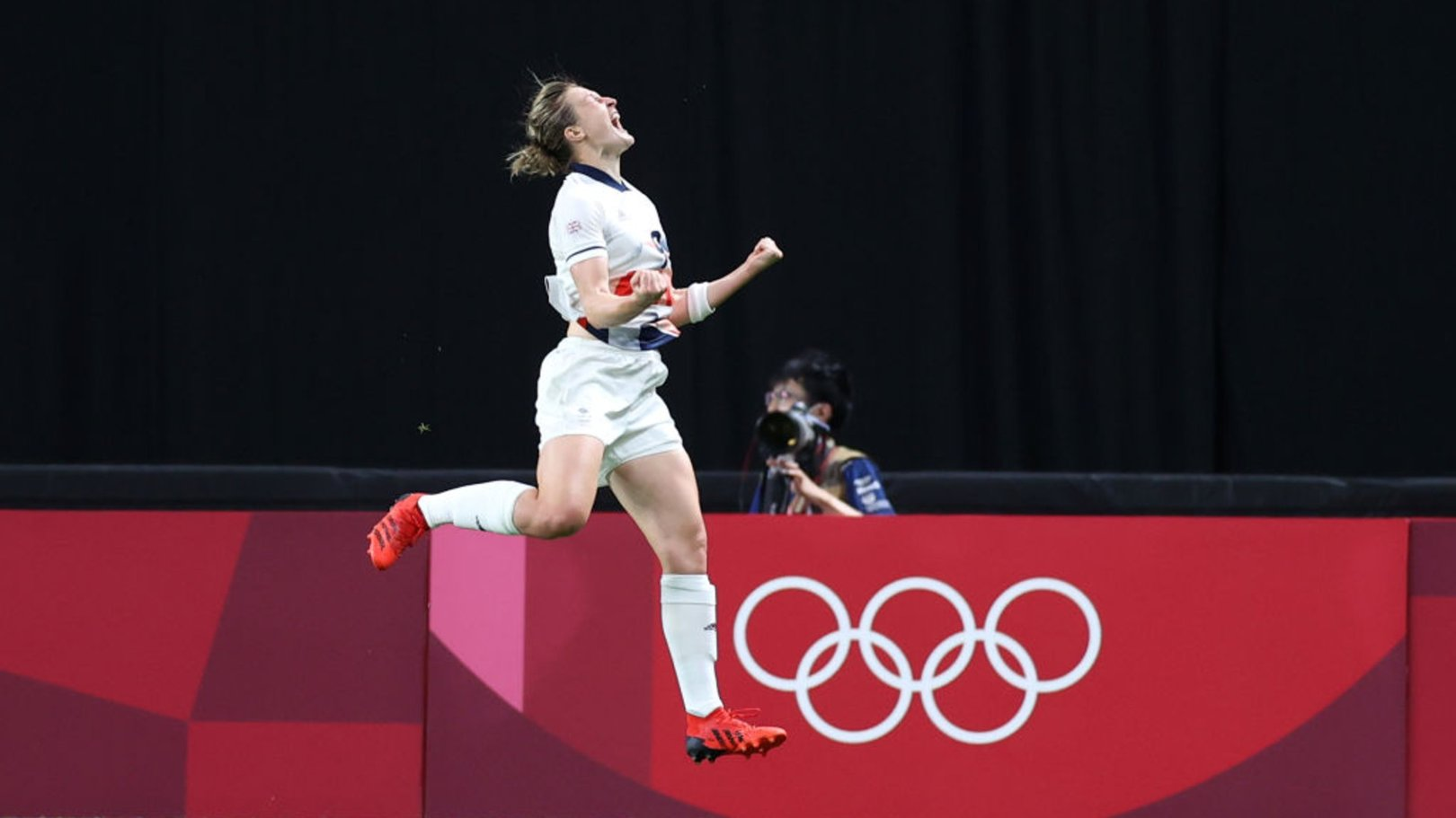 White header sees Team GB into Olympics quarters