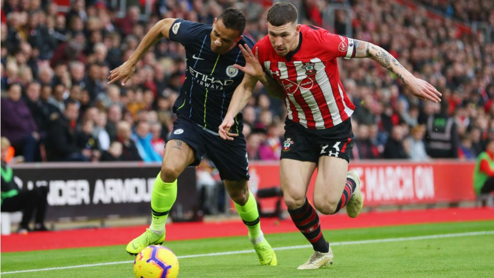 ACTION STATIONS : Danilo challenges Pierre-Emile Hojbjerg