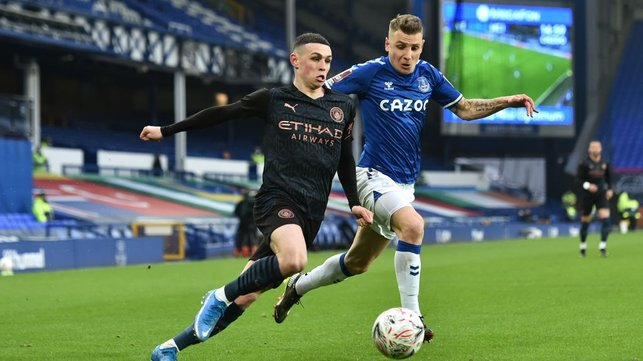 FLYING PHIL : Phil Foden looks to get in-behind the Everton defence after a tight first 30 minutes.