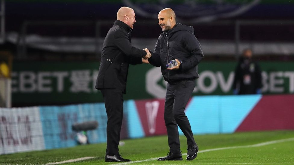 RESPECT : Pre-match pleasantries from the managers.