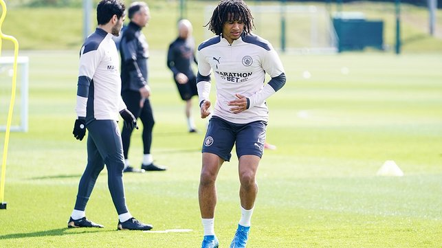 TUESDAY TUNE UP: Nathan Ake puts the work in