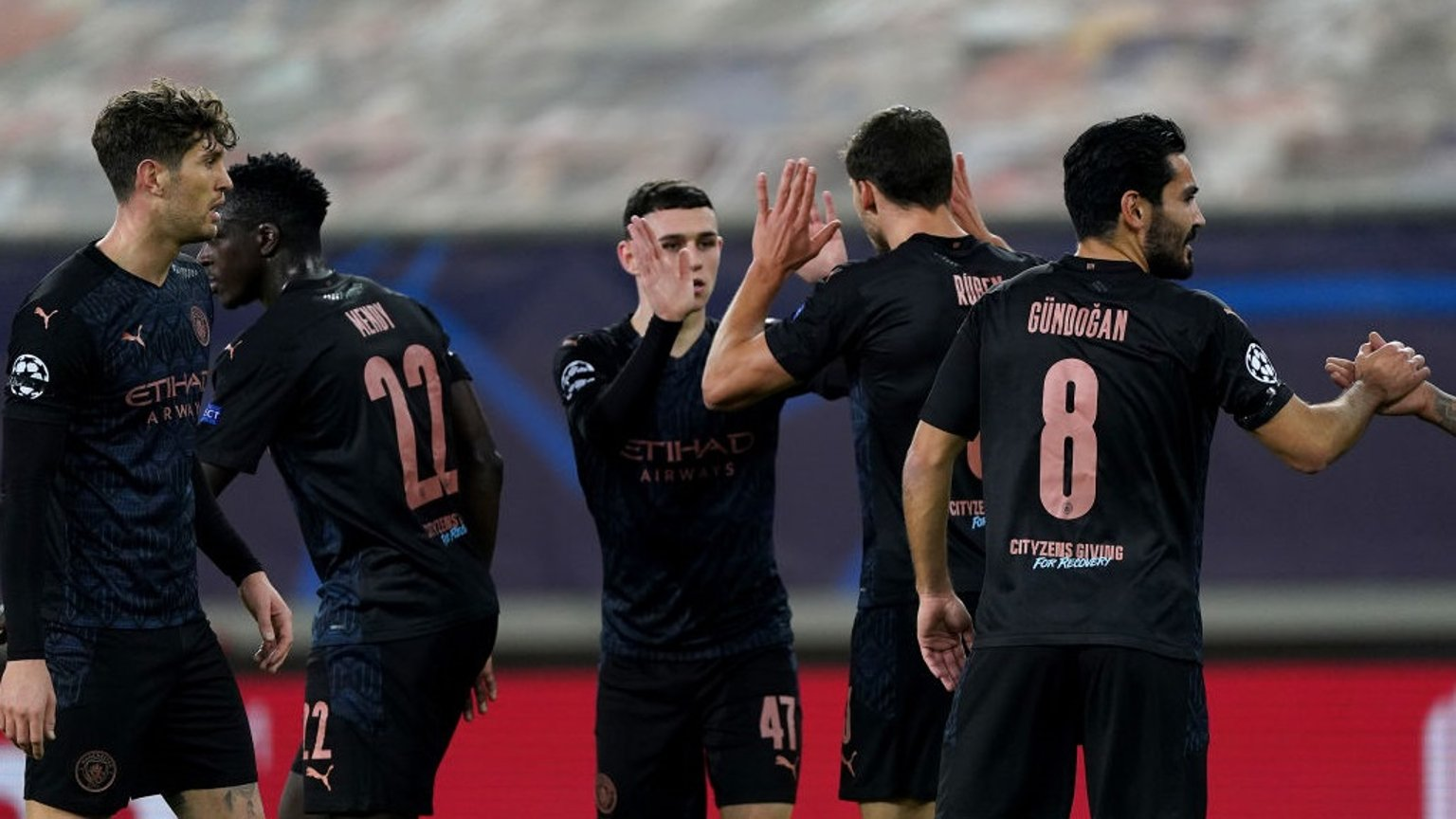 Com gol de Foden, City avança de fase na Liga dos Campeões