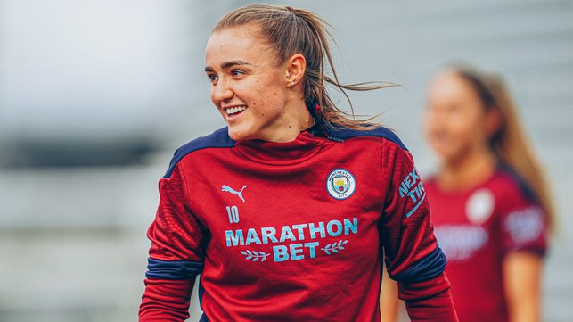 SUPER STANWAY : Georgia Stanway enjoying the pre-match session.