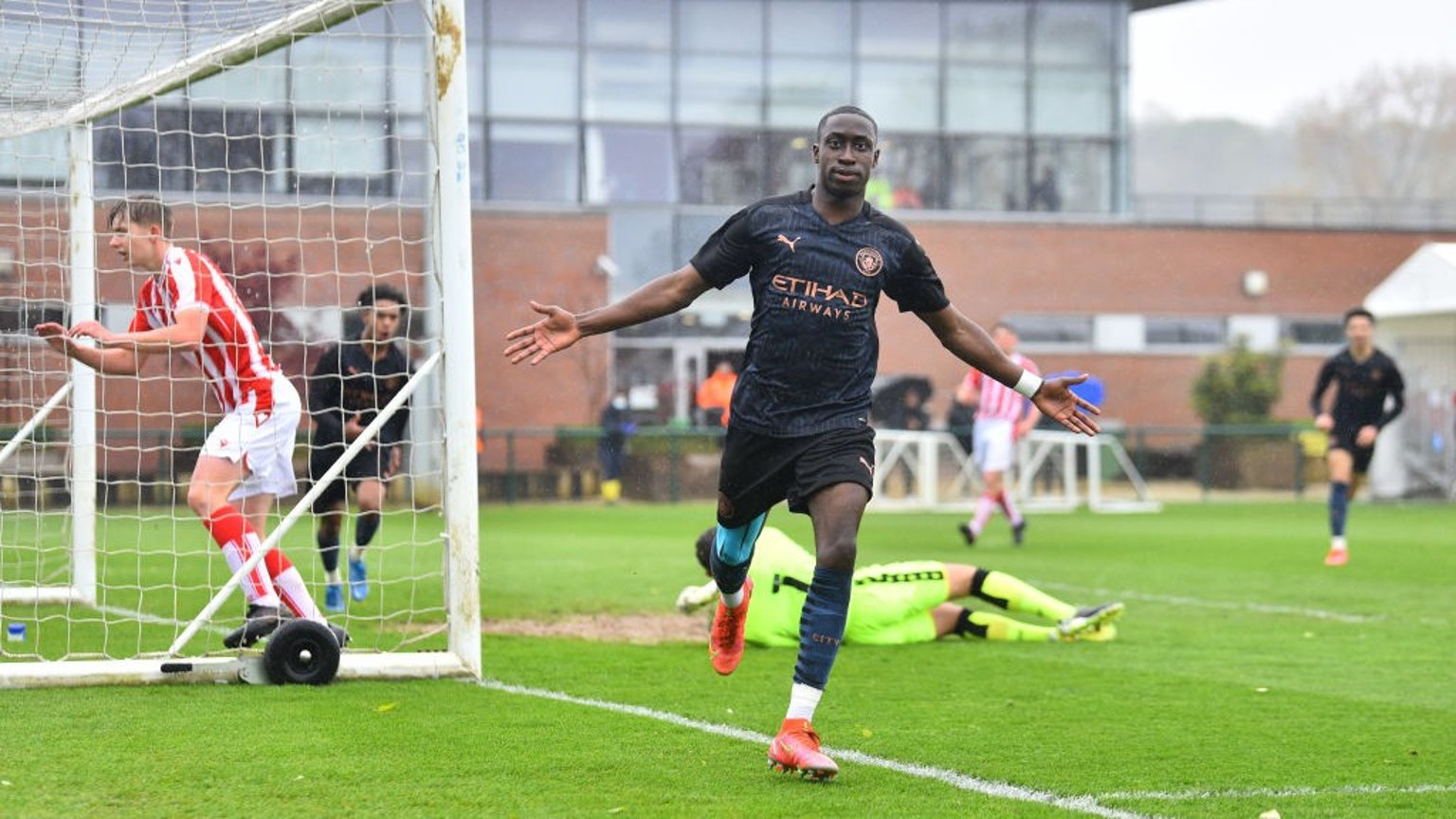 Under-18s move closer to league title with win over Stoke