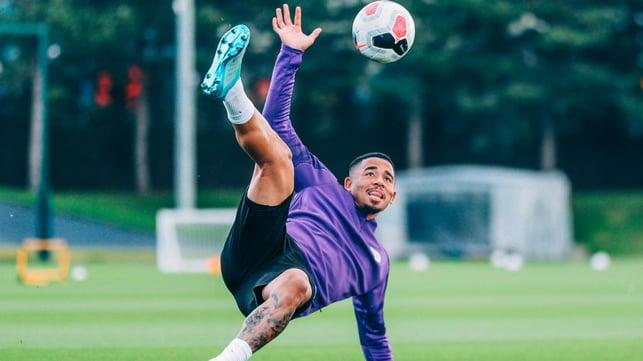 SAMBA SKILLS : Gabriel Jesus shows off some Brazilian flair