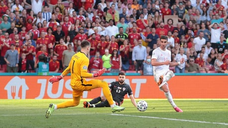 Torres shines again for Spain in eight-goal thriller