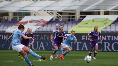 City goleia Fiorentina fora de casa pela WUCL