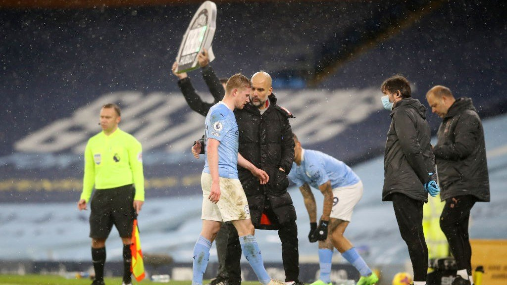 Guardiola provides De Bruyne and Walker injury update