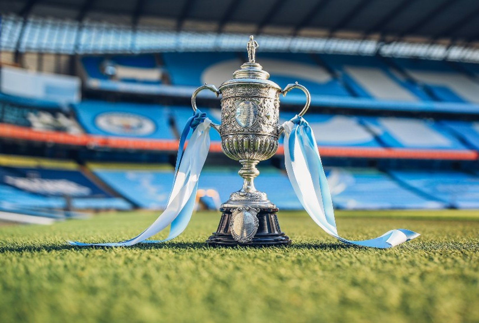 HH Sheikh Mansour secures historic FA Cup trophy