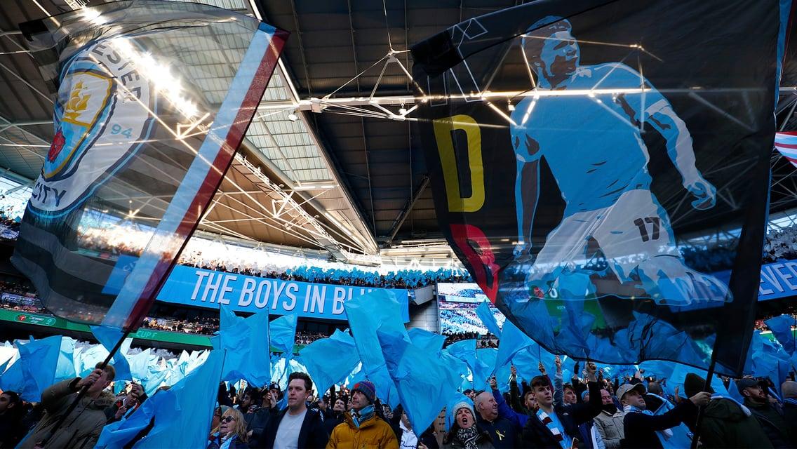 Bagikan Foto Kamu Untuk Dipajang Pada Dinding Foto Kami di Wembley!