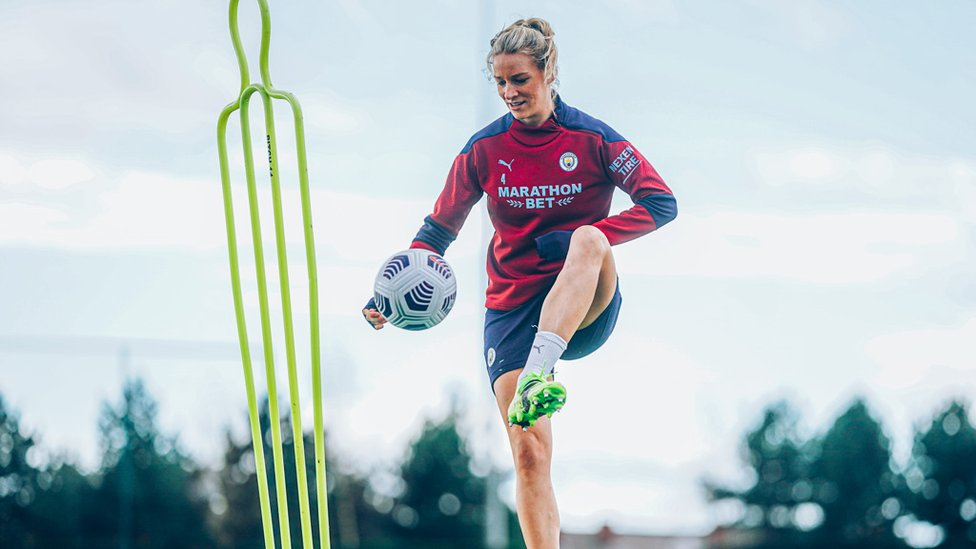 HOW'S YOUR TOUCH? : Gemma Bonner looks to take control.